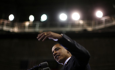 US Democratic presidential nominee Senator Barack Obama (D-IL) speaks at a campaign rally in Fayetteville