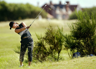 KOREA'S PARK PLAYS OUT OF THE ROUGH ON THE 17TH AT THE WOMEN'S OPEN ATROYAL LYTHAM & ST ANNES.