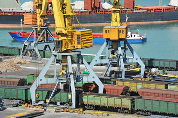 Port cargo crane, train and metal
