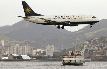 Brazil's Varig aircraft prepares to land at Santos Dumont airport in Rio de Janeiro