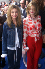 American actresses Calista Flockhart (L) and Holly Hunter arrive hand-in-hand for the showing of the..