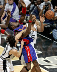 Spurs' Ginobili, Horry and Pistons Wallace battle for rebound during Game 2 of NBA Finals in San ...