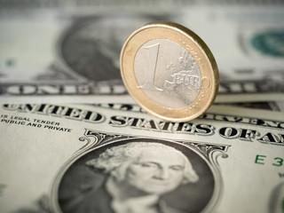 Euro / Dollar Abhängigkeit