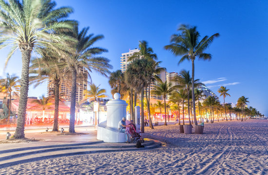 FORT LAUDERDALE, FL - JANUARY 2016: Promenade along the ocean at night. Fort Lauderdale is a major destination in Florida