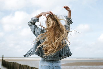girl from behind with long hair  Wall mural