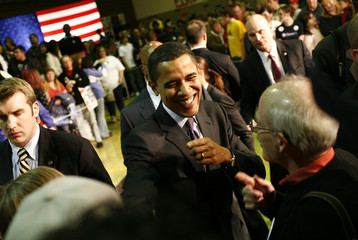 U.S. Democratic presidential candidate Sen. Barack Obama (D-IL) speaks at a rally at Elko High School in Elko, Nevada, January 18, 2008.