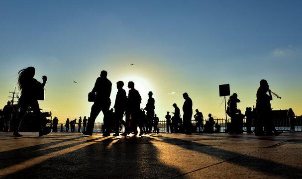 kalabalık şehir yaşamı ve stres
