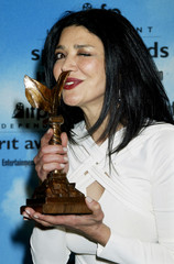 ACTRESS SHORREH AGHDASHLOO BACKSTAGE WITH SPIRIT AWARD IN SANTA MONICA.