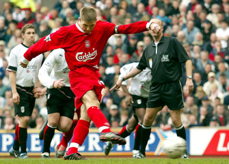 LIVERPOOL'S GERRARD MISSES A PENALTY AGAINST FULHAM DURING ENGLISH PREMIER LEAGUE SOCCER MATCH AT ANFIELD.