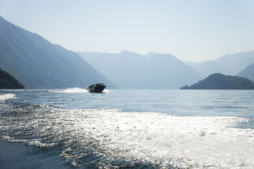 Barca lago di como