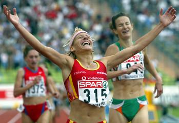 DOMINGUEZ OF SPAIN JUBILATES AFTER WINNING WOMEN'S 5000 METRES INMUNICH.