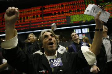 Trader Albert Goldberg gestures in the S&P pit at the Chicago Mercantile Exchange