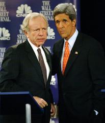 SENATORS JOHN KERRY AND JOSEPH LIEBERMAN AT DEMOCRATIC PRESIDENTIALDEBATE IN NEW YORK.