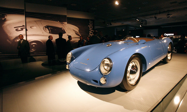 A 1954 Porsche 550 Spyder on loan from the collection of actor Jerry Seinfeld is displayed at the 2008 Auto Show in Los Angeles