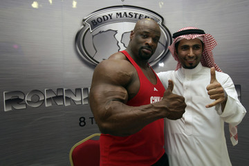 American world champion bodybuilder Ronnie Coleman from Texas  poses with a Saudi fan at a gym in Riyadh