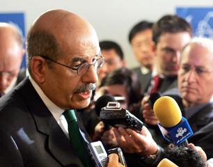IAEA DIRECTOR GENERAL ELBARADEI BRIEFS MEDIA IN VIENNA.