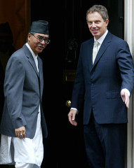 BRITAIN'S PRIME MINISTER BLAIR GREETS HIS NEPALESE COUNTERPART SHERBAHADUR DEUBA IN DOWNING STREET.
