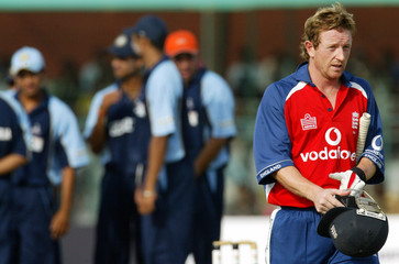 England XI's Collingwood leaves ground in Jaipur