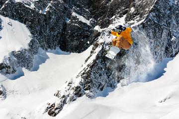 Fototapete - fuoripista in alta montagna