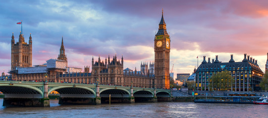 Foto op Canvas Londen London Westminster Bridge and Big Ben at Dusk