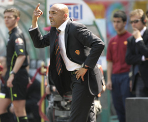 AS Roma's coach Spalletti shouts from the bench during the Italian Serie A soccer match against Treviso in Rome