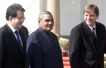 GUY VERHOFSTADT, ATAL BEHARI VAJPAYEE AND ROMANO PRODI IN NEW DELHI.