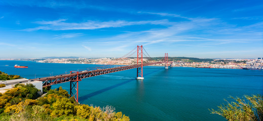 April 25th Bridge and Tagus River in Lisbon Portugal Fototapete