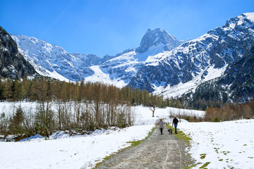 Wall Mural - Idyllic scenic mountain landscape in the early springtime with hiking path. Austria, Tyrol, Karwendel Alpine Park, near Gramai