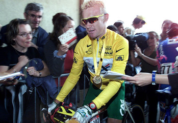 CREDIT AGRICOLE RIDER STUART O'GRADY OF AUSTRALIA AT THE STARTOF THESIXTH STAGE OF THE TOUR DE ...