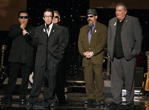Members of the music group 'Los Lobos' get special award at the  taping of the 2007 ALMA awards in Pasadena