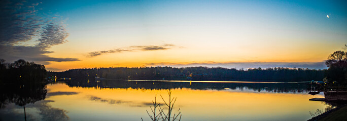 Canvas Print - sunriseon lake wylie near belmont NC