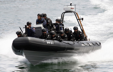 Anti-terrorist Special Forces of the Chilean marines train during a military exercise of the maritime interdiction operation in Valparaiso