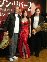 ACTOR RENO POSES WITH JAPANESE ENTERTAINER KANO AND ACTOR MAGIMEL IN TOKYO.