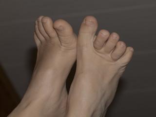 Nackte Füße einer Frau