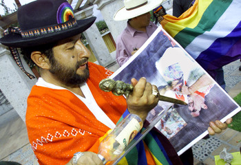 PERUVIAN WITCH DOCTOR PLUNGES KNIFE INTO SALAS PICTURE IN AREQUIPA.