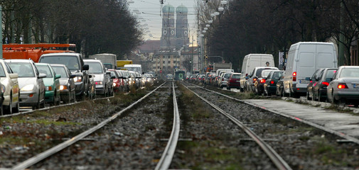 TRAFFIC JAMS ARE PICTURED NEXT TO EMPTY TRAM RAILS IN CENTRAL MUNCHDURING A PUBLIC SECTOR UNION ...