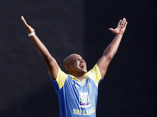 Sri Lanka's Jayasuriya celebrates taking the wicket of Pakistan's Yousuf during fifth and final ODI cricket match in Colombo