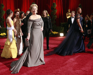 "Meryl Streep, best actress nominee for ""Doubt"" and Queen Latifah pose on red carpet at 81st Academy Awards in Hollywood"