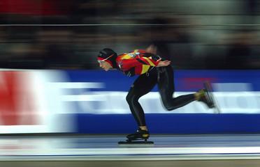 GERMANY'S FRIESINGER SKATES DURING THE SPEED SKATING EUROPEANCHAMPIONSHIPS IN ERFURT.