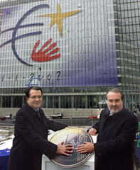 EC PRESIDENT PRODI AND EUROPEAN COMMISSIONER SOLBES INAUGURATE A 2000SQUARE METERS FLAG DEPICTING ...