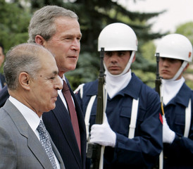 US PRESIDENT BUSH ATTENDS WELCOMING CEREMONY IN TURKEY.