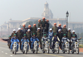SOLDIERS FROM THE INDIAN FORCE TAKE PART IN A REHEARSAL IN NEW DELHI.