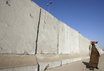 TO MATCH FEATURE IRAQ/SECURITY-WALLS