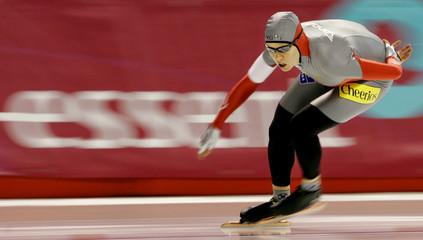 Canada's Cindy Klassen competes in the women's 1500m race in Calgary