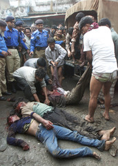 ACCUSED THIEVES KILLED BY SHOPKEEPERS IN DHAKA.