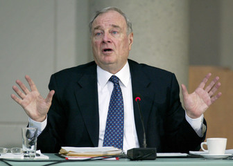 Canadian Prime Minister Paul Martin gives testimony at Sponsorship Inquiry.