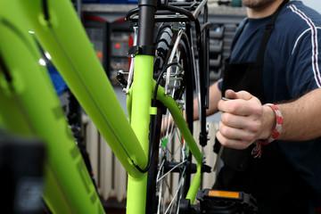 Bicycle workshop, Bike repairing
