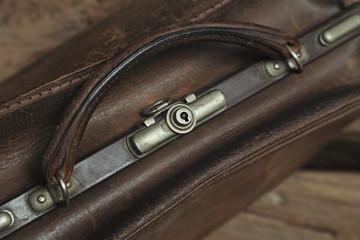 vieux sac à main en cuir vintage