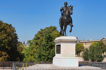 View on Henric Magni statue with horse, paris city, france
