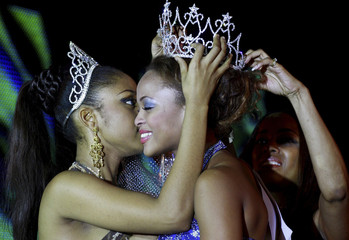 Igwe, the 2008 Most Beautiful Girl in Nigeria beauty pageant is crowned by the last year winner Abi in Lagos